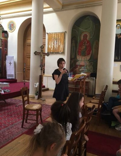 Ірена Карпа в українській школи Святого Володимира в Парижі